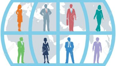 9616789-Equipo-mundial-de-hombres-de-negocios-del-mundo-como-recursos-humanos-internacionales-sobre-fondo-de-Foto-de-archivo