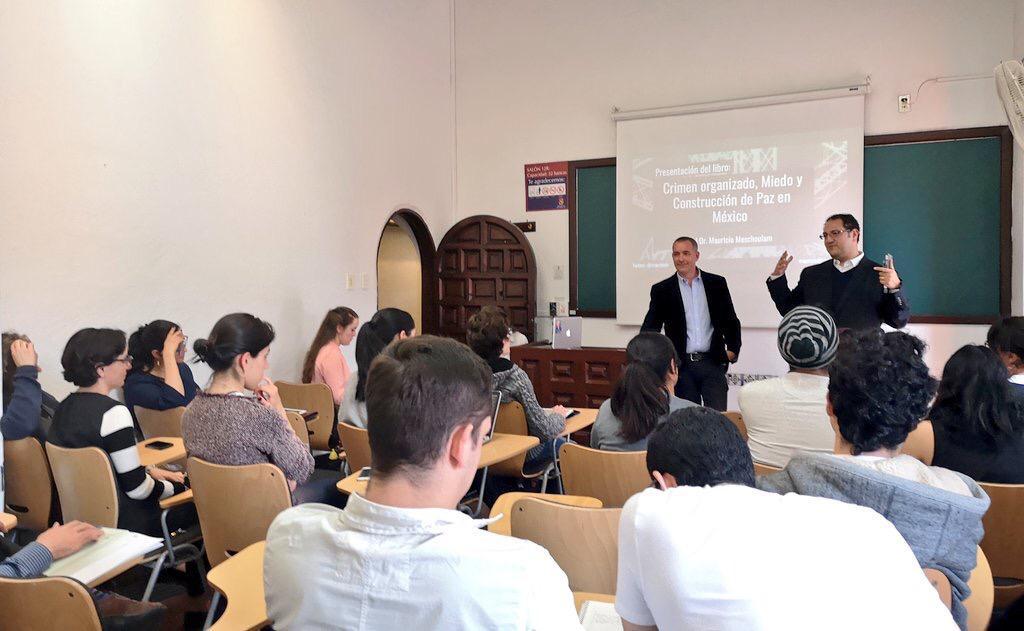 Presentación de libro en la Universidad Panamericana