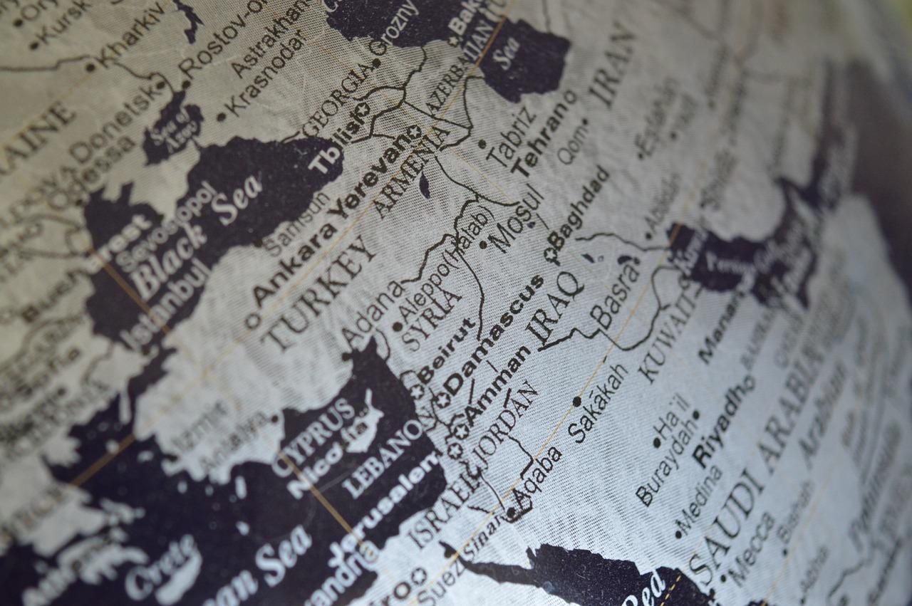 La competencia entre las potencias de Oriente Medio: bases expedicionarias y actores no estatales